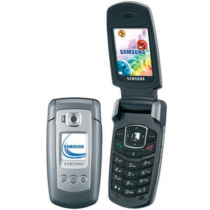 Samsung E770, Triband, Bluetooth, Music, Camera phone - Refurbished